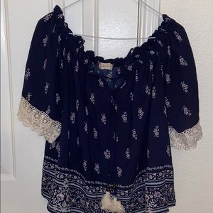 CLEARANCE: Floral print blouse w/ lace trimming